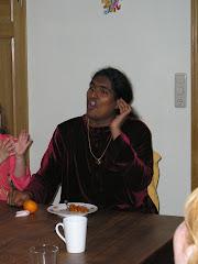 Swami Vishwananda chante Narayana