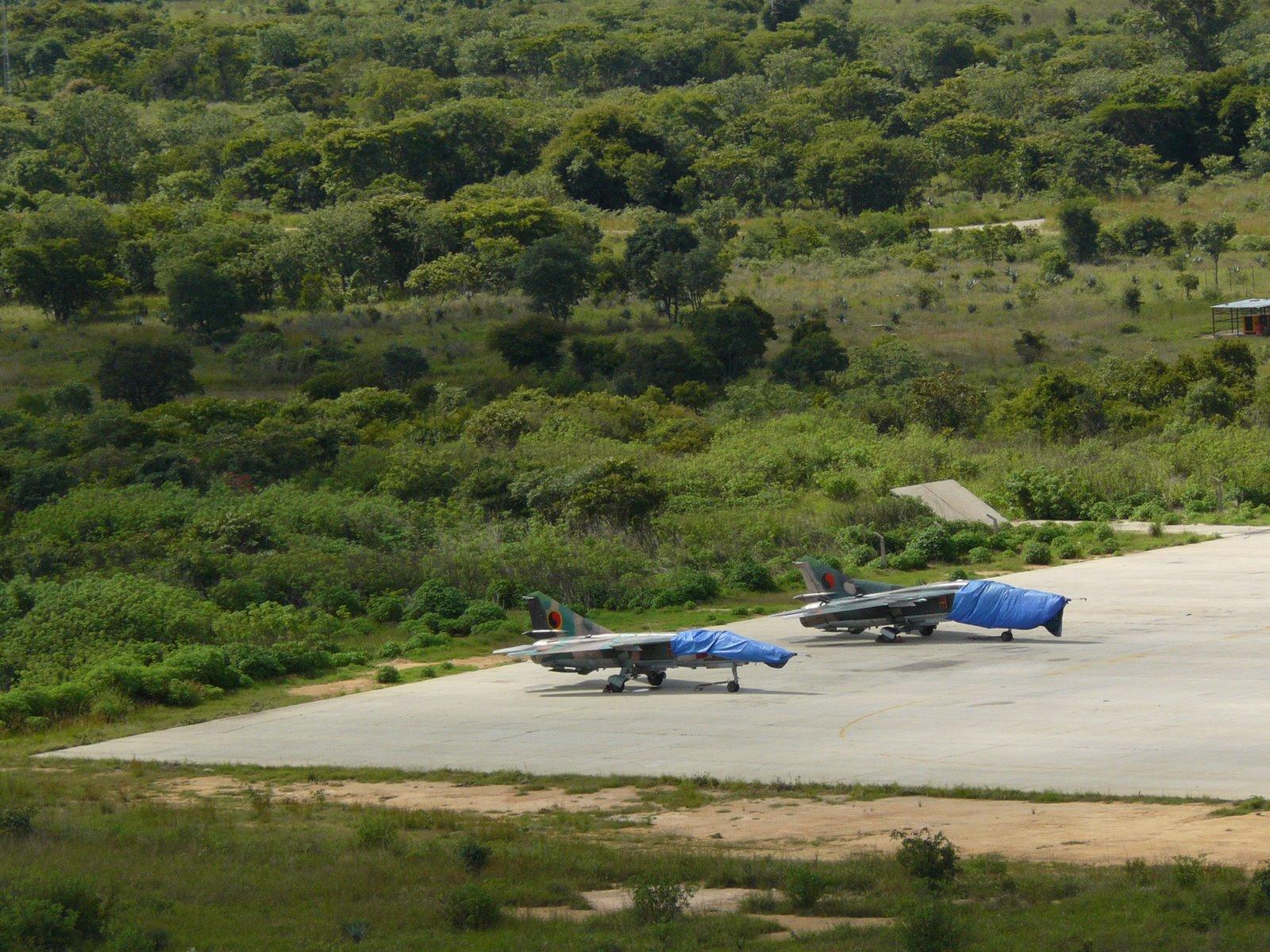 Armée Angolaise/Angolan Armed Forces ANGOLA+MIG-23+LUBANGO+JOAO+CALDEIRA+HUILA+03-03-2008