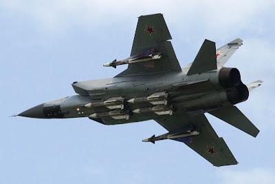 Fuerzas Armadas de la Federación Rusa - Página 3 MIG-31+AIRE+8