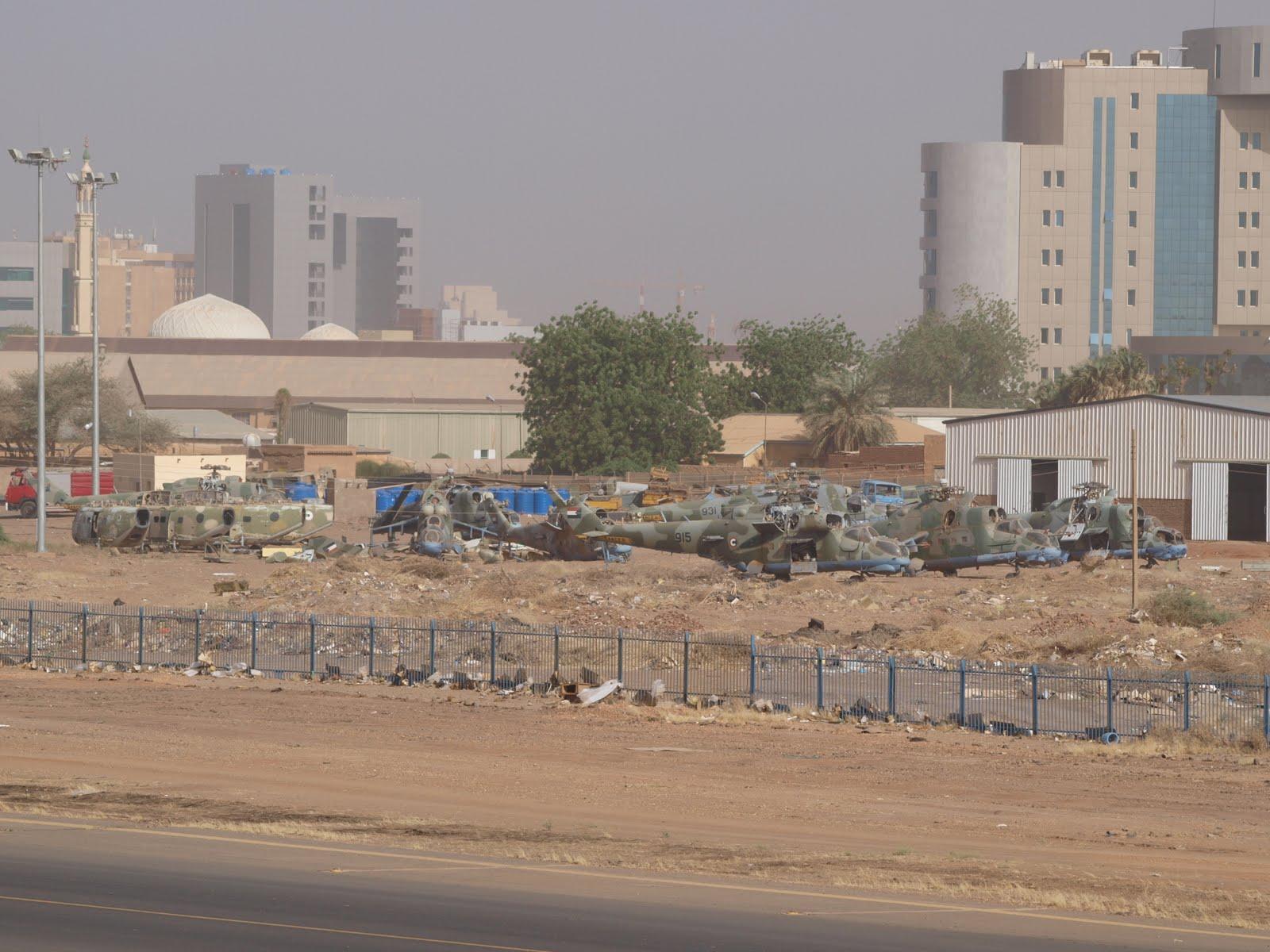 Armée Soudanaise / Sudanese Armed Forces ( SAF ) JARTUM+SUDAN+31-03-2010+MI-24+RESTOS