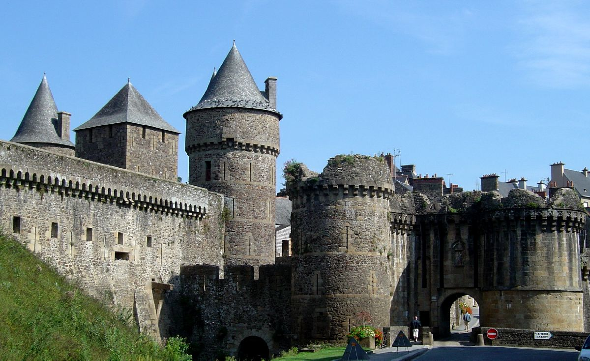 Castles in europe foug res for Interieur france