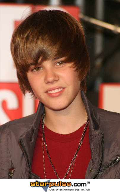 justin bieber new haircut 2010. Justin Bieber New Haircut