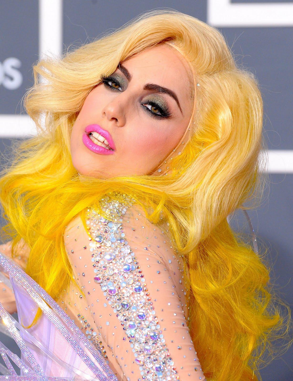 http://2.bp.blogspot.com/_2H10y43Moa8/S9uRnQC7hOI/AAAAAAAAANM/lJizfs4p2HE/s1600/lady_gaga_grammys.jpg