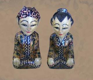 Wooden Batik Art of Natural Handicraft_001