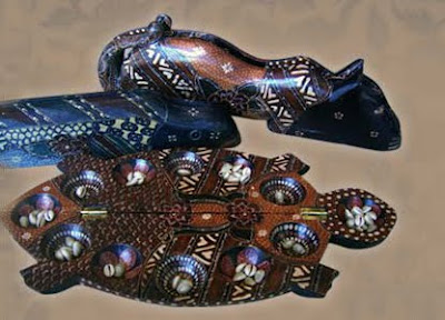 Dakon Handicraft with Motifs batik, wooden batik art, wood handicraft