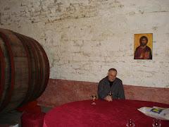În beciurile Mănăstirii Cetăţuia