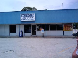 Houston burgers otto 39 s barbecue or the gut bomb for Ottos burger hamburg