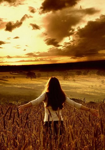 {تمتـــــــمات .. فوتو غرافيــــه..} - صفحة 8 Requiem_of_a_Dream_by_isacg