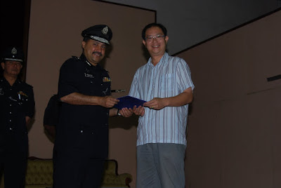 ... Policing: The Significance of Community Policing for the Governance of