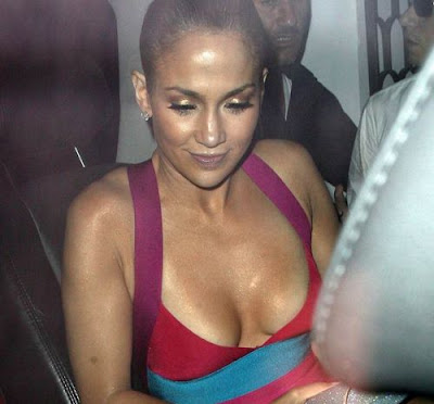 Jennifer Lopez Let's It All Hang Out! | Hottest Collection of Snaps