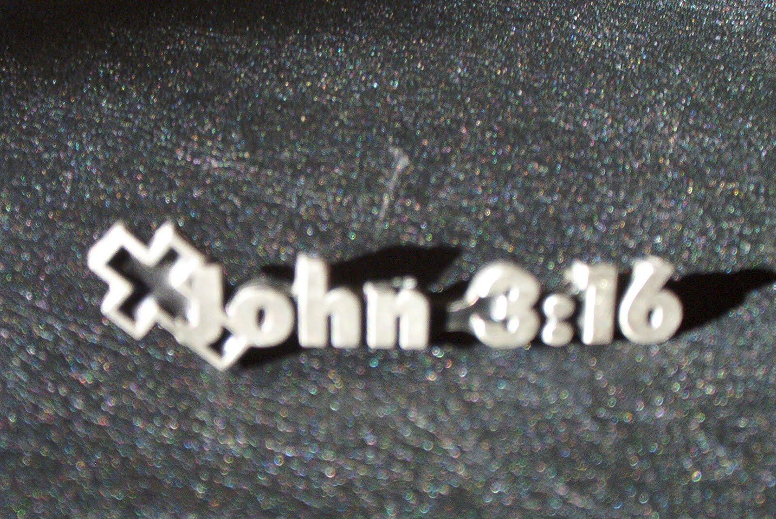 http://2.bp.blogspot.com/_2Ks_Im1Ni8c/TSM89sOmhkI/AAAAAAAACbk/b4VANMLgadk/s1600/john-3_16_Bible-Quote_Wallpaper.jpg