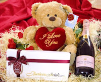 teddy bear gift on valentines day