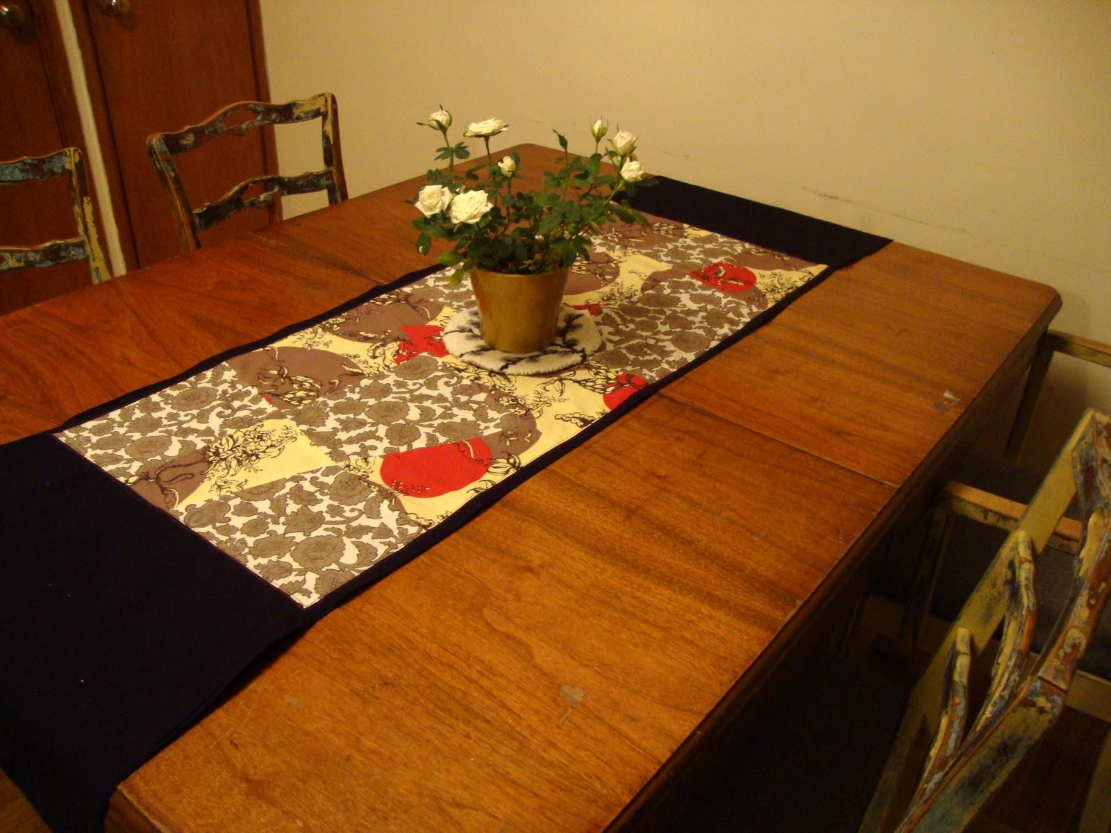 dining room creativity mod table runner