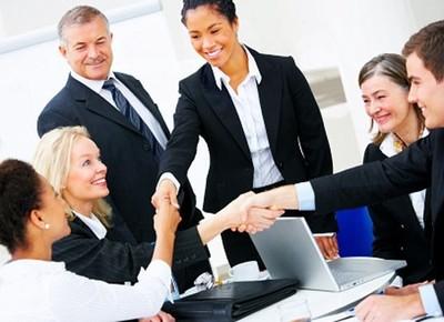 Cérebro fica mais ativo quando se interage com pessoas do mesmo estatuto Empresarios