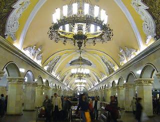 Stasiun Metro Komsomolskaya