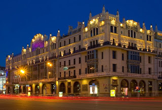 Hotel Metropole yang menjadi sasaran pemboman dalam novel ini