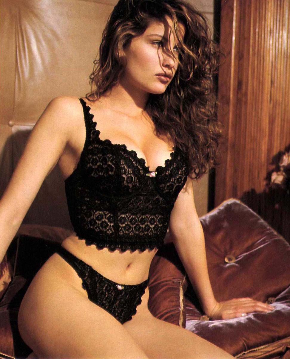 http://2.bp.blogspot.com/_2OnTsmsZtoc/TLGlHQSe3XI/AAAAAAAAA4E/lfWmWqVVoEo/s1600/laetitia-casta-victoria-secrets-lingerie-3.jpg