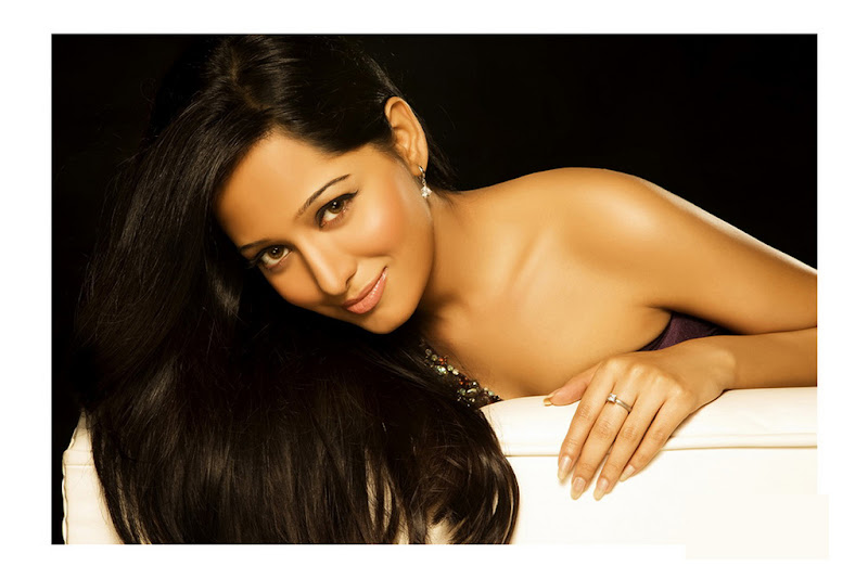 Preetika Rao 3 + South Indian Celebrities Indian Girls