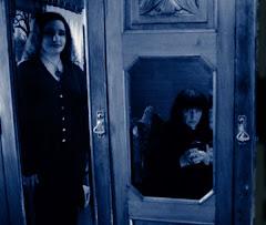Odbita w lustrze - dowód, że nie jestem wiedźmą... Obok Selma