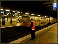 Link - pociągiem z Ashfield do Centralu, w nocy