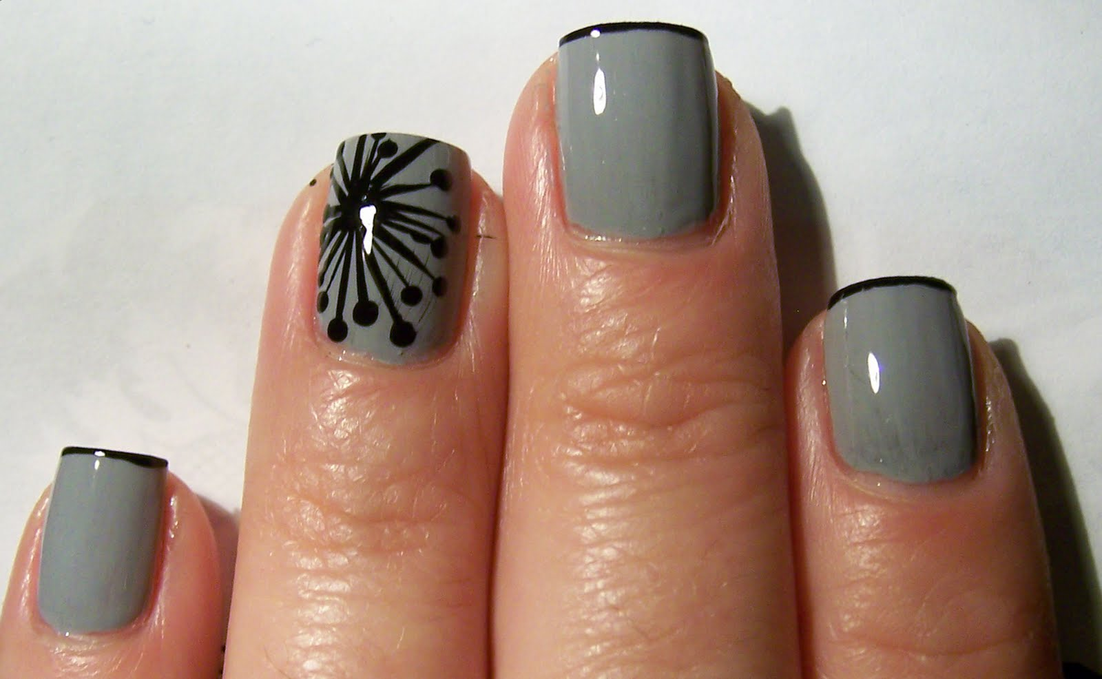 Iceomatic's Nails: Modern Dandelion Nail Art