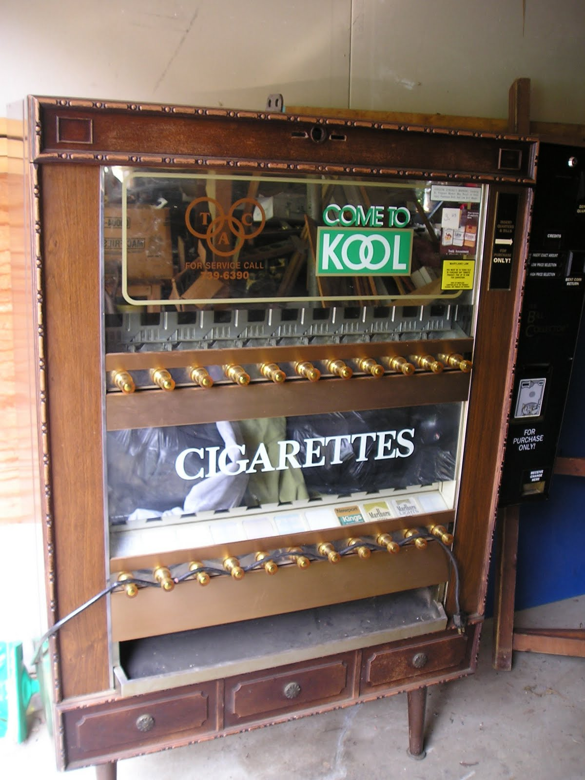 how to makecoins come out of vending machines