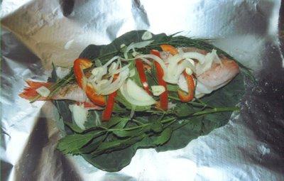 Ee grousst Kaabesblaat, an verschidden Saachen, vir Geschmaach ze maachen, an den Scheffchen