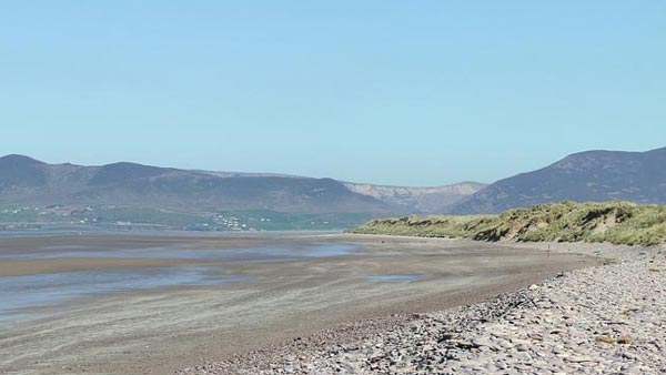 "Fescherparadis fir ""Surfcasting"", Rossbeigh Beach, an den Top 3 an Irland"