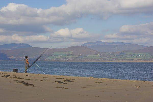 Rossbeigh Beach, eng grouss Plaatz fir op d'Raie ze feschen