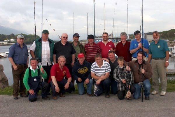D'Equipp vum Cahersiveen Sea Angling Club wenscht Iech vill Freed matt eis ze feschen
