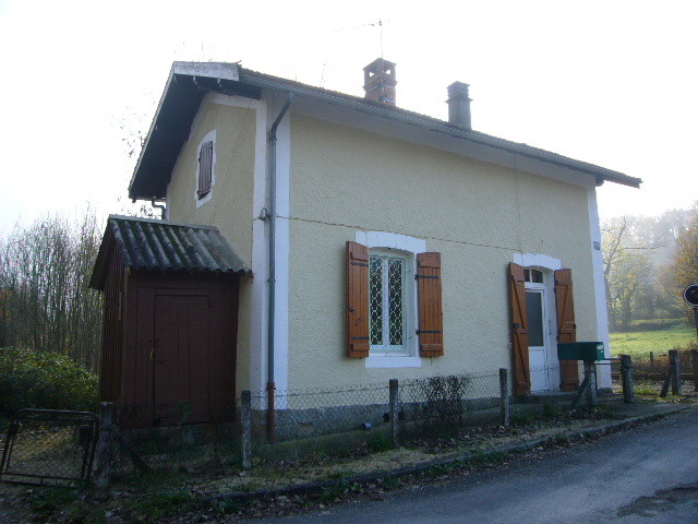 A lot of french property with century 21 and kim another for French country cottages for sale