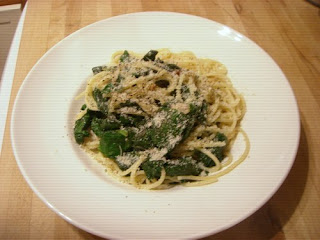 spaghetti with garlic and spinach