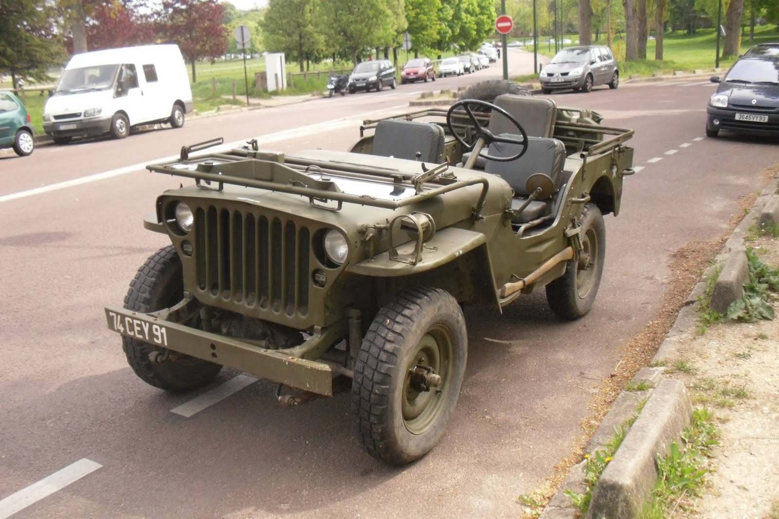 Hotchkiss M201 Jeep For Sale >> WW2 Jeep windshield - G503 Military Vehicle Message Forums