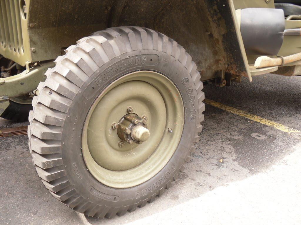 souvenez vous 44 les nouveaux pneus sont mont s. Black Bedroom Furniture Sets. Home Design Ideas
