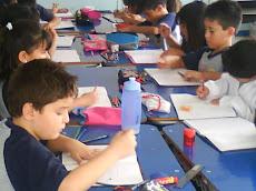 También en Educación Musical, estamos trabajando en pequeños grupos...