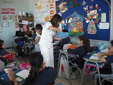 Profesora Daniella y los momentos de clases...