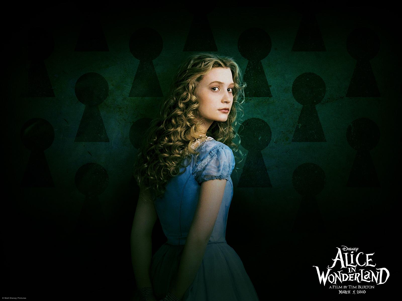 http://2.bp.blogspot.com/_2ZMSuPPIR4s/TR2CJbjJFkI/AAAAAAAAAJk/wU7CFqBR6yw/s1600/Alice_in_Wonderland%252C_2010%252C_Mia_Wasikowska%252C_Johnny_Depp%252C_Helena_Bonham_Carter.jpg