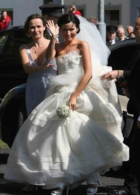 Celebrities Wedding Dress at 2009-Andrea Corr