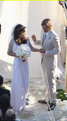Celebrities Wedding Dress at 2009-Milla Jovovich