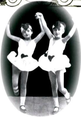 http://2.bp.blogspot.com/_2_XWE3AqGG0/S80CRFmut8I/AAAAAAAACTI/6gXl3meocxU/s400/05+Kaloutakia+baletto.jpg