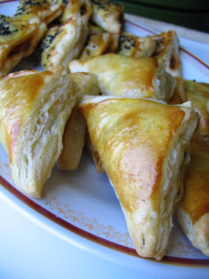 is a general name for phyllo pastry filled with various things most common of which are f Puff Pastry Bundle (Üçgen Milföy Börek)