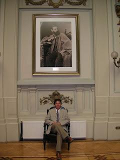Gillermo Cortes Lutz en el ex congreso, disfrutando la fotografía