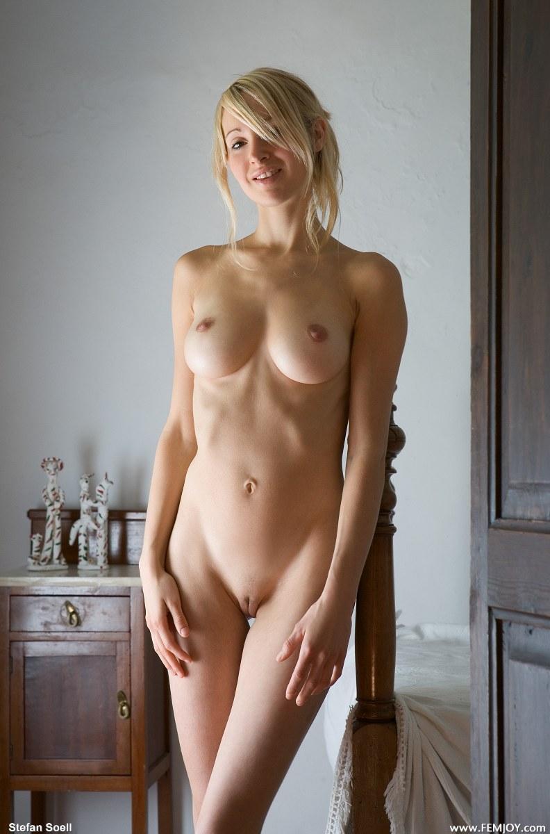 srilanka naked girls photo