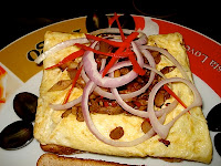 CHEESE BURGER OMELETTE SANDWICH
