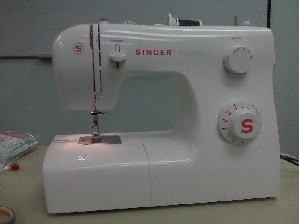 singer sewing machine 2010