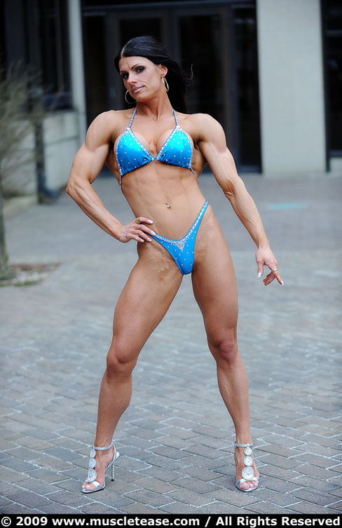 Benefit Bodybuilding: Italy hot female bodybuilders photos and images
