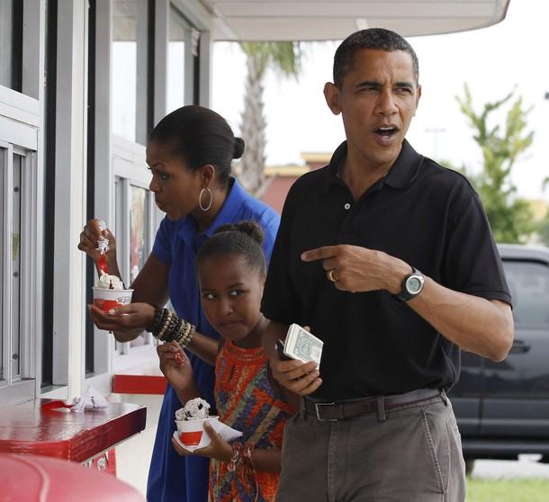 Gulf Coast Visit: Obamas Enjoy Ice Cream At Bruster's, Saturday Dinner At