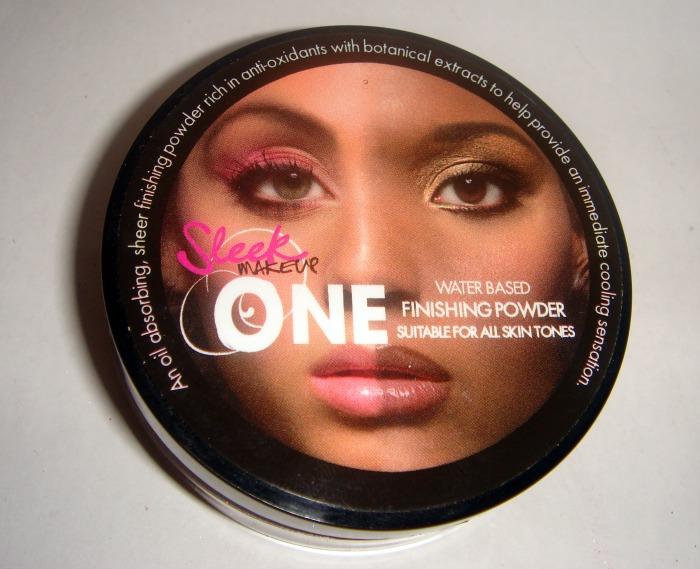 skindinavia makeup finishing spray. The ONE Finishing Powder is
