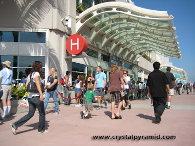 San Diego Convention Center, street level - Photo by San Diego video producer Patty Mooney of Crystal Pyramid Productions
