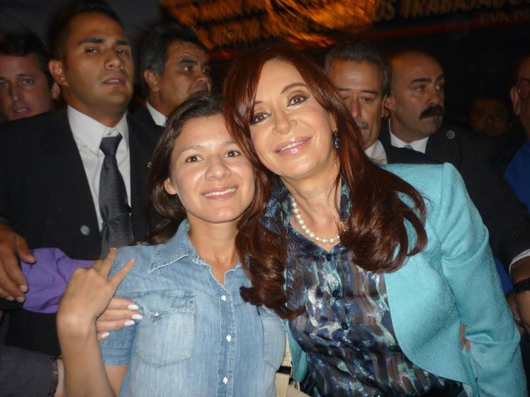 """...su abrazo, certeza: """"2011 será Pueblo"""""""